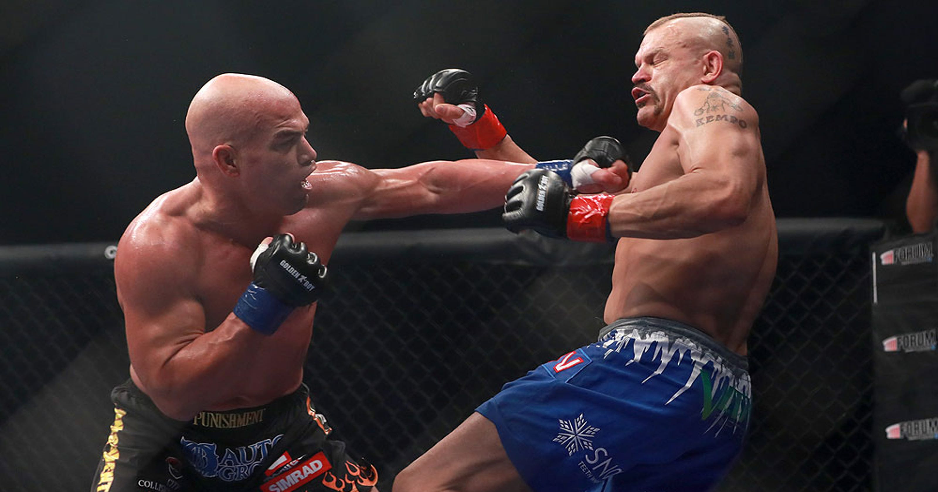 034625b0847f63 Tito Ortiz gets revenge on Chuck Liddell with vicious knockout
