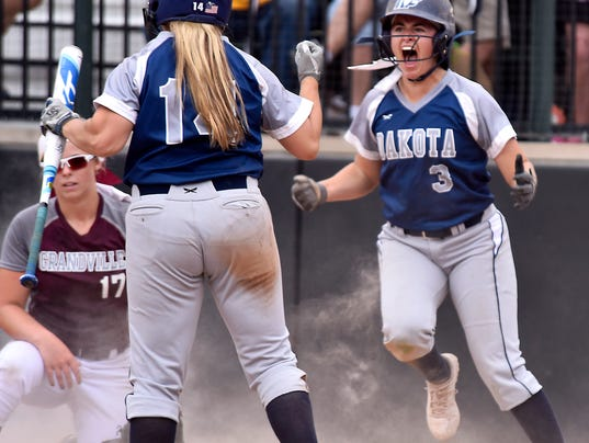 Dakota Grandville softball 3