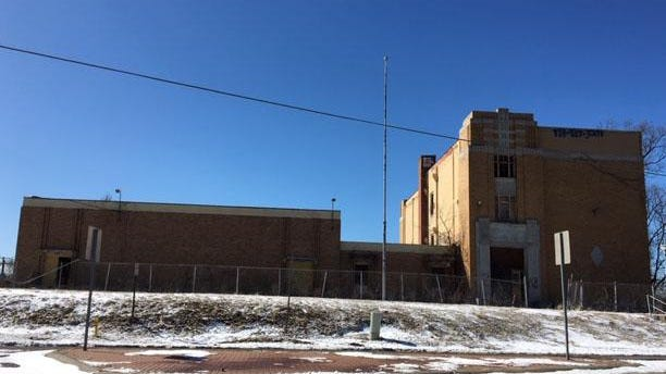 The old Stark School, which local officials say has become dangerous and attracts drug deals and dog fights, could be renovated as a federal halfway house if a proposal approved in early 2019 comes through.