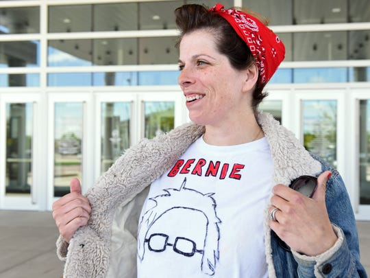 Jess Safstrom shows her support Bernie Sanders with
