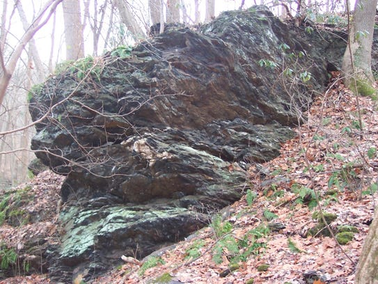 Exposure of schist at Lock 12 near Holtwood Dam.