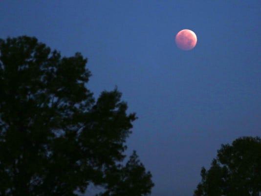 -moon.jpg_20141008.jpg