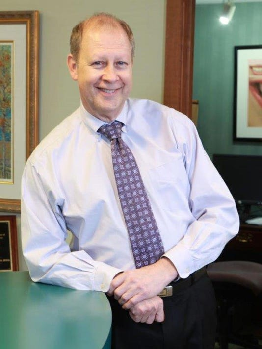 Dr. Roy Thompson-hr.jpg