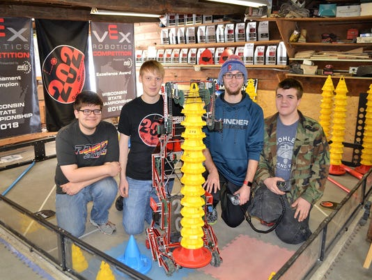 636581707777789199-robotic-team-7915.jpg