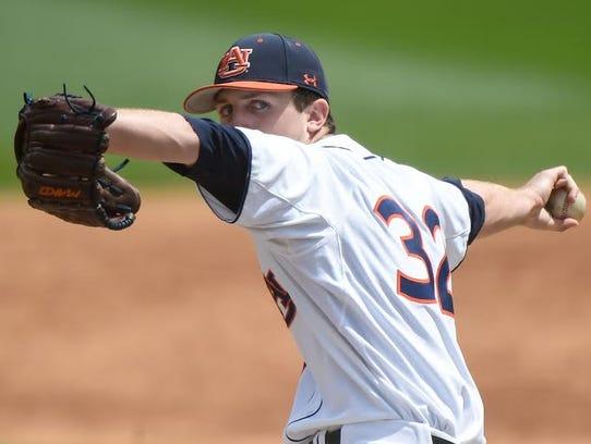 Auburn freshman Casey Mize tosses 6 1/3 innings of
