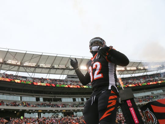 Cincinnati Bengals running back Jeremy Hill (32) is