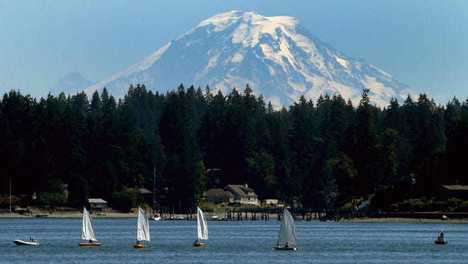 A summer Youth Sailing class on Liberty Bay in Poulsbo.