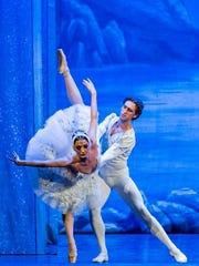 "Olga Kifyak dancing Odile/Odette, with Eugeniy Svetlitsa as Prince Siegfried Antonina in ""Swan Lake."""
