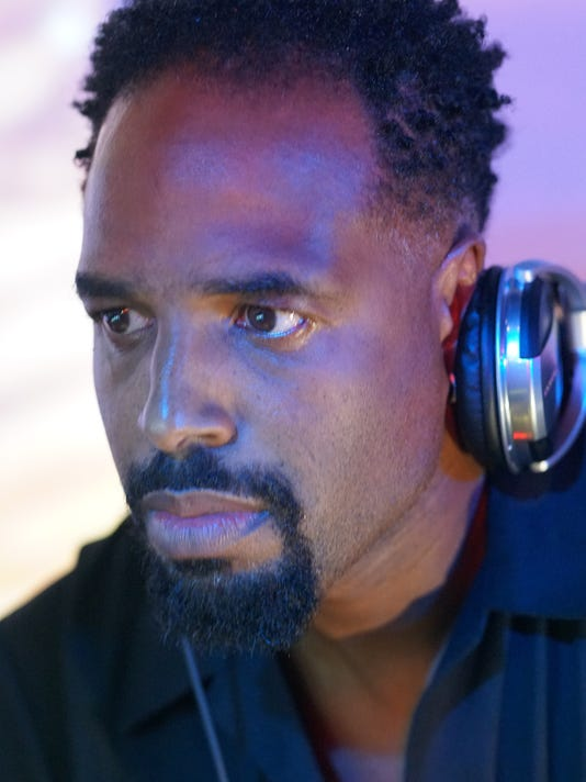 White Chicks Star Shawn Wayans Deejays In Fort Myers