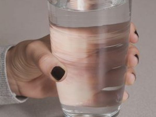 635833561203119431-635816242787385592-Tall-glass-of-water-01