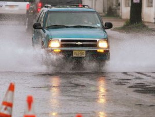 635793126820196710-Generic-flood.jpg
