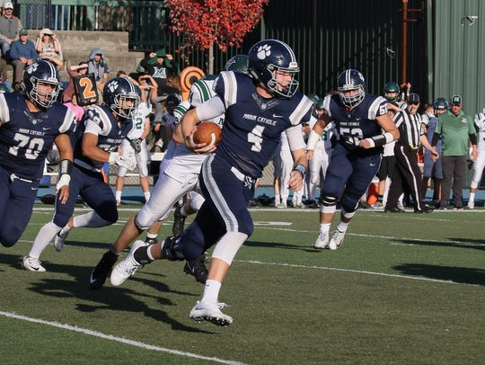 Marin Catholic quarterback Spencer Petras (4) committed