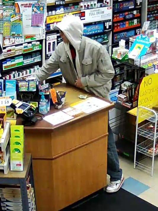 635485576786020274-robbery2