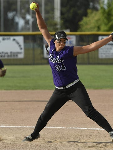Mission Oak's Mariah Mazon pitches against Madera South