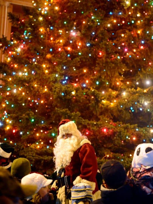 -11302013_Parade of Lights-B.jpg_20131130.jpg