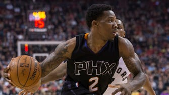 Phoenix Suns guard Eric Bledsoe (2) drives past Toronto Raptors guard Kyle Lowry during first-half NBA basketball game action in Toronto, Sunday, Jan. 22, 2017.