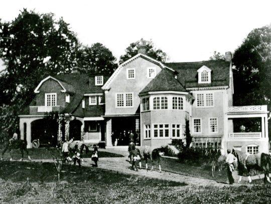 The Sun Briar Court clubhouse, formerly Washington