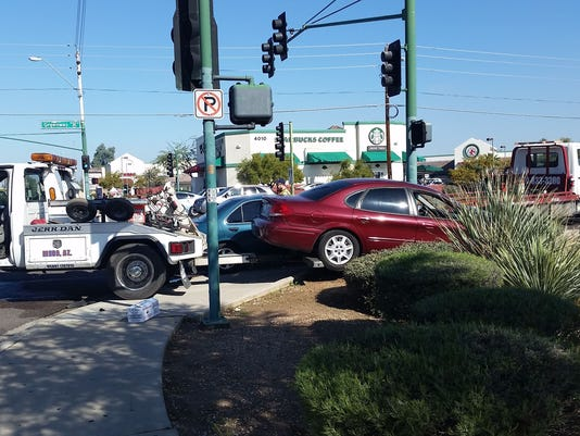 635583954188426068-40th-St-and-Greenway-wreck