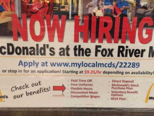 635768002156798470-now-hiring-signs