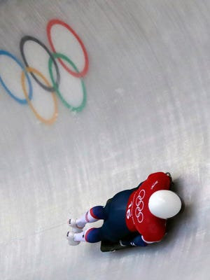 Prairie du Chien native Matt Antoine is u unable to improve on his 11th-place standing in the final two runs of the men's skeleton at the Pyeongchang Olympics.