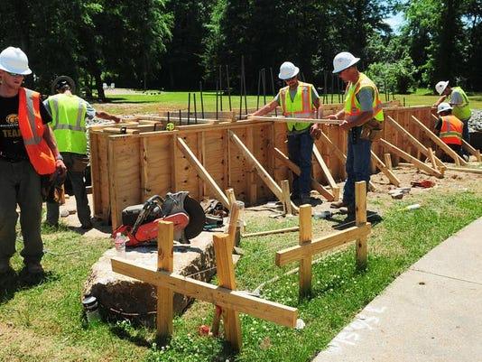 -Gordon Creek Park construction03.jpg_20140507.jpg