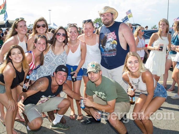 Kenny Chesney fans at MetLife Stadium