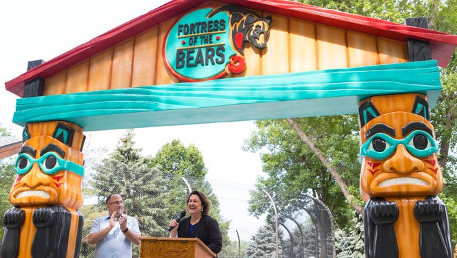 Elizabeth A. Whealy, president and CEO of the Great Plains Zoo, speaks at the new bear exhibit in Sioux Falls, S.D. on Saturday, June 23, 2018.