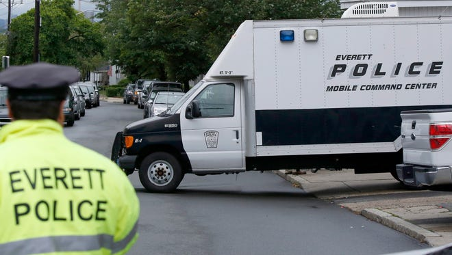 Everett and Massachusetts police assist federal authorities in the investigation of a Boston terror plot.
