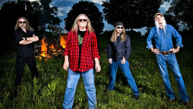 The Kentucky Headhunters will perform with Alabama at this weekend's Greenville Lions Catfish Extravaganza.