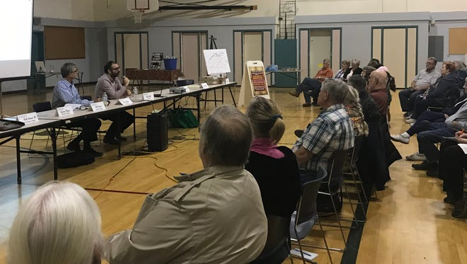 Jeffrey Goodman of Host Compliance consultants talks to Shingletown residents Wednesday about vacation rentals in the community.
