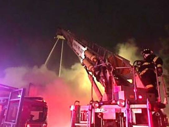Memphis Fire Department crews fight fire at vacant