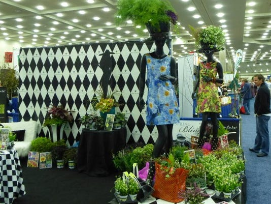 hortcouturebooth.jpg