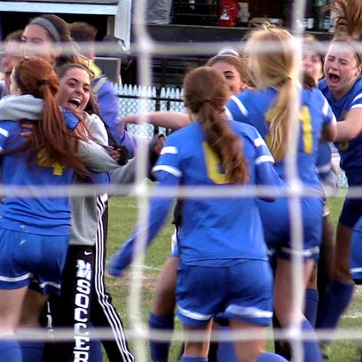 Mahopac celebrates after defeating Horace Greeley on