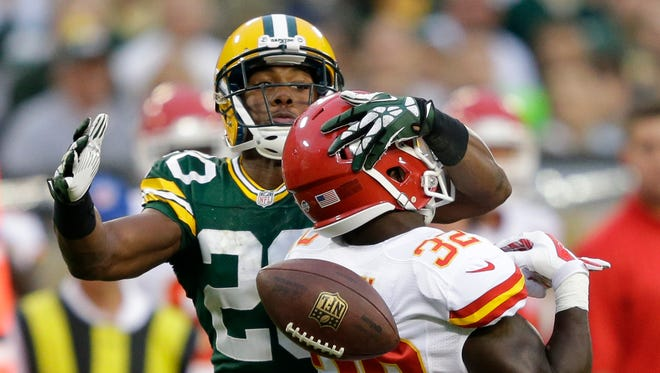 Green Bay Packers cornerback Jumal Rolle breaks up a pass intended for Kansas City Chiefs' Cyrus Gray in the second quarter.