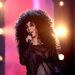 Billboard Music Awards: Cher returns, Drake and Celine Dion win the night
