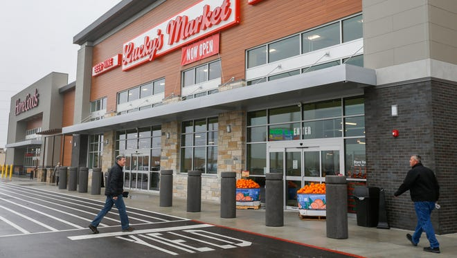 Lucky's Market, located at 3333 S Glenstone Ave., opened its doors on Tuesday, Jan. 9, 2018.