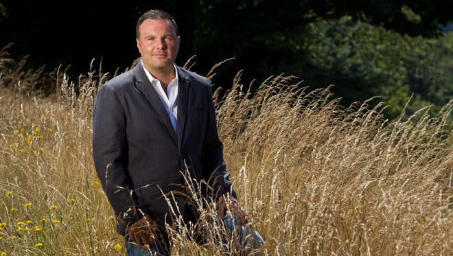 Mark Driscoll, the founding pastor of Mars Hill Church in Seattle, has urged his followers to stay off the Internet.