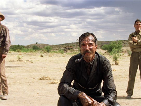 Daniel Day-Lewis, center, on location in Marfa, TX