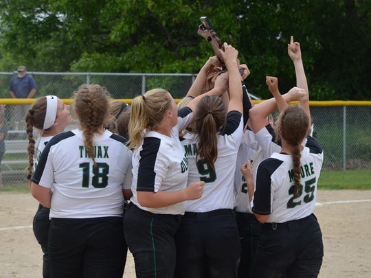 Olivet celebrates winning a Division 2 district crown