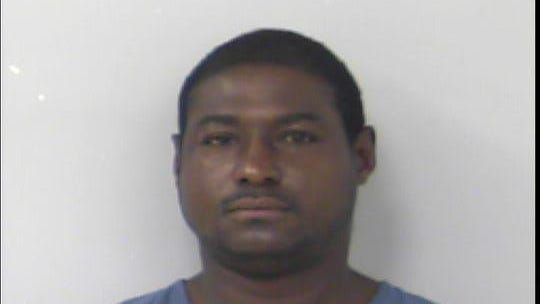 Shawn Harris, 38, of West Palm Beach, attempted to steal nearly $17,000 in gold jewelry from a Port St. Lucie pawnshop on Saturday, June 6, 2020.