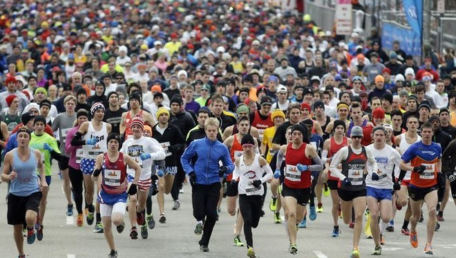 The start of the 2014 Thanksgiving Day race.