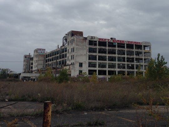 The vacant Fisher Body Plant near the intersection