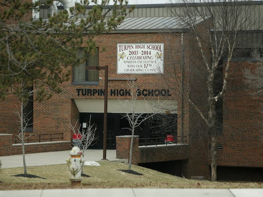 635653771697954618-001TURPIN-HIGH