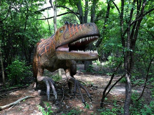 635698206787084231-Dinosauria-detroit-zoo11