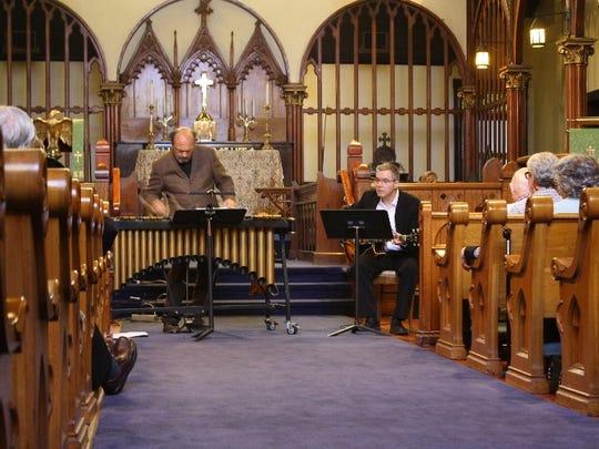 Vibraphonist Dick Sisto and guitarist John Moulder