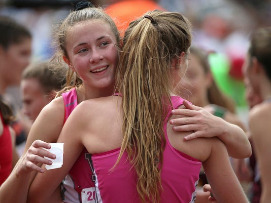 636005885563265344-0603-girls-state-track-MAINBAR-jrw01.JPG