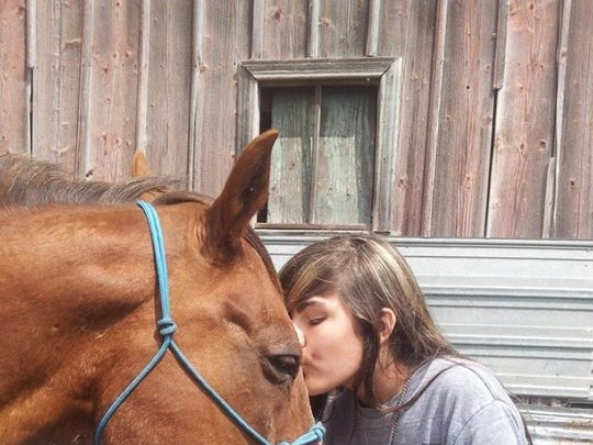 Zia Richardson loved her horse Twizzler. The teen died in a car crash in October. Her mother is trying to get the horse to Mississippi from South Dakota as a memorial to her late daughter.