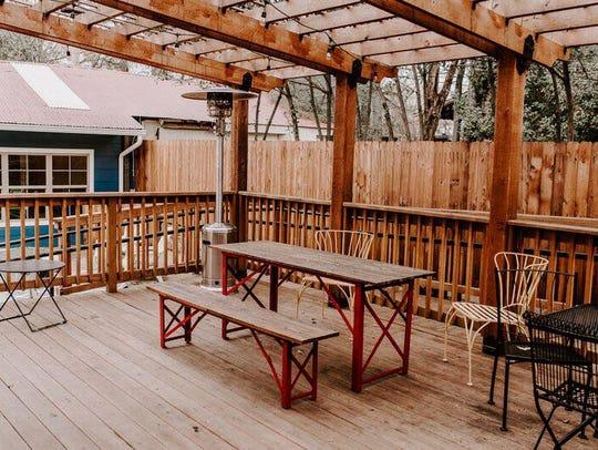 The patio at Well+Fed Louisiana.