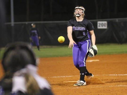 Clarksville High pitcher Madisen Blackwell delivers