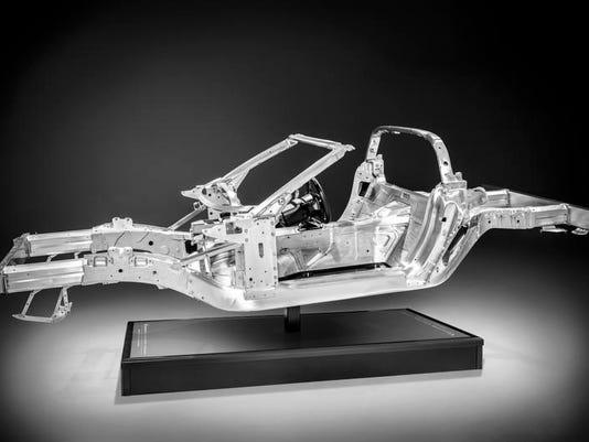 2014-chevrolet-corvette-027.jpg